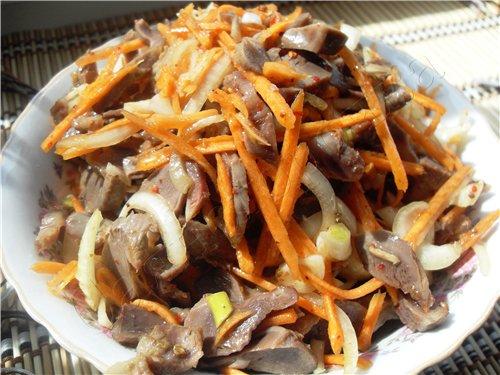 Салат из куриных желудков с корейской морковью рецепт