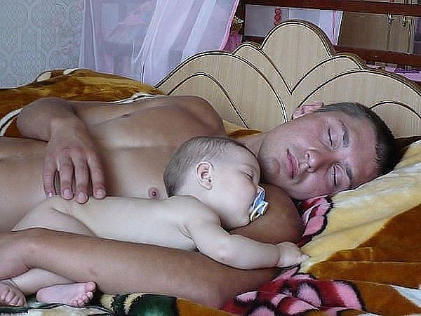 Фото реальные голые матери 34820 фотография