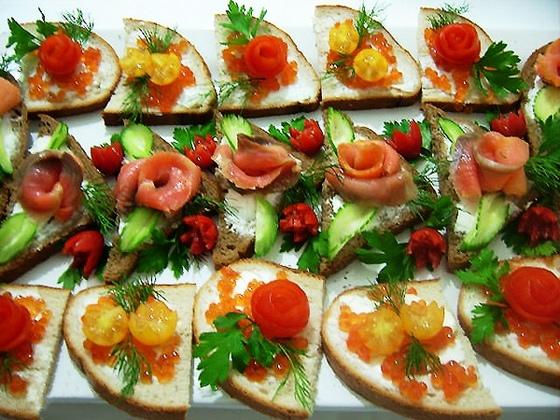 Блюда из курицы холодные закуски меню на день рождения простенькие салаты зелень.