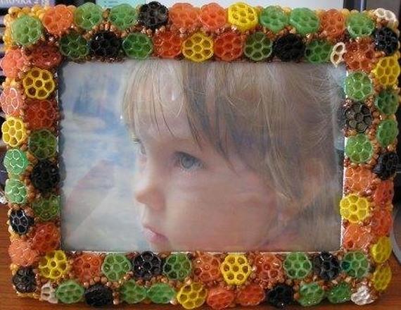Поделки рамки для фото  из макарон