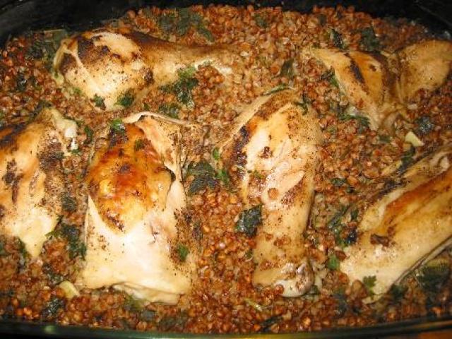 Курица с грибами и гречкой в горшочке в духовке рецепт с пошагово в