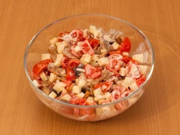Салаты с маринованными грибами помидорами и перцем