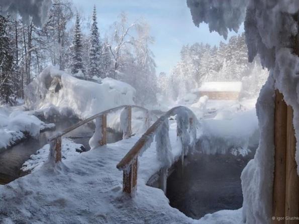 Горячий целебный источник.Температура воды 42-46 градусов.  Здесь круглый год можно принимать...