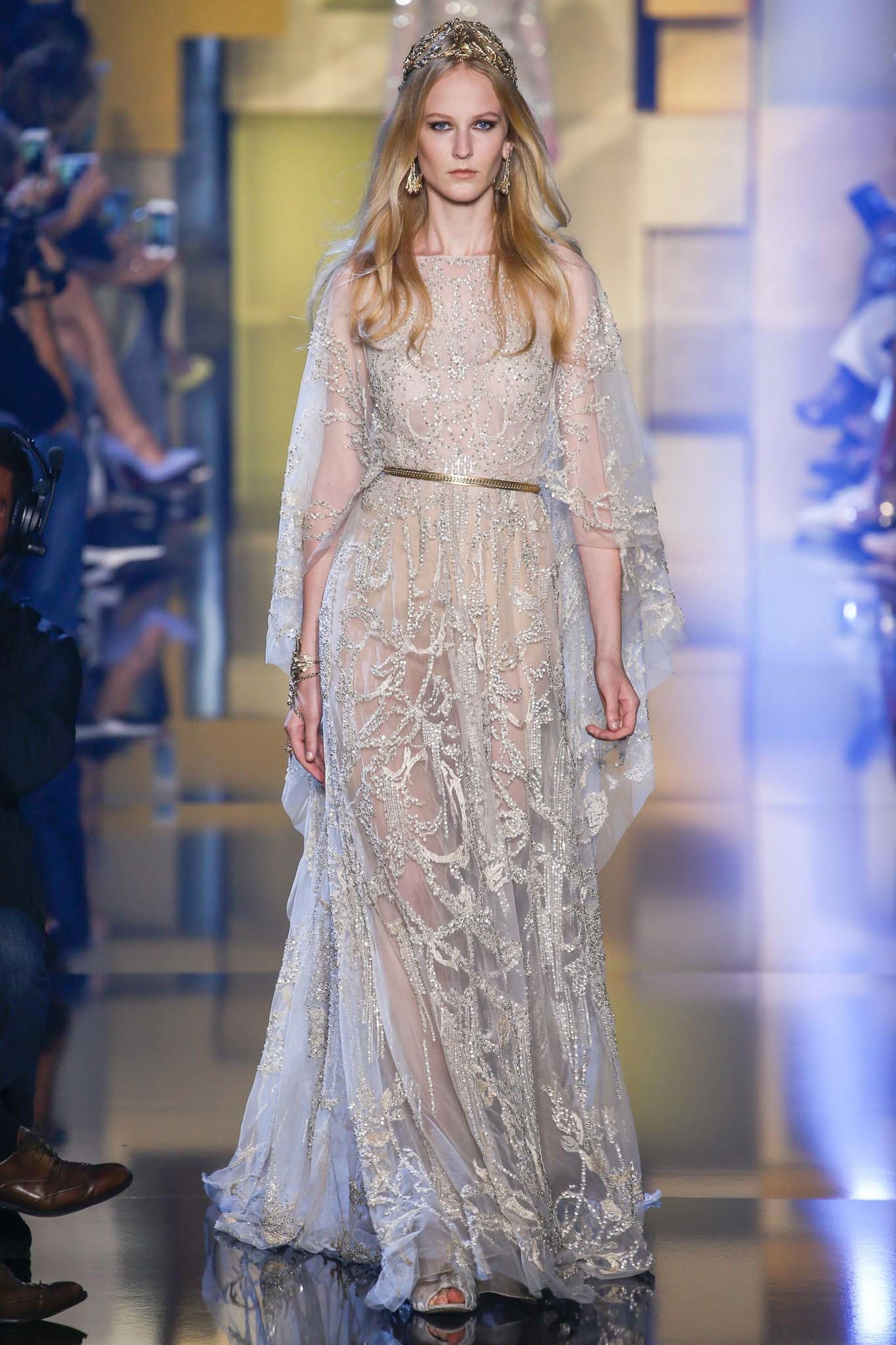 Свадебные платья на показах мод