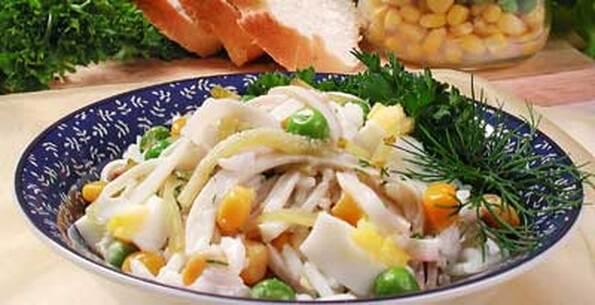 Салат из кальмаров с рисом и огурцами рецепт