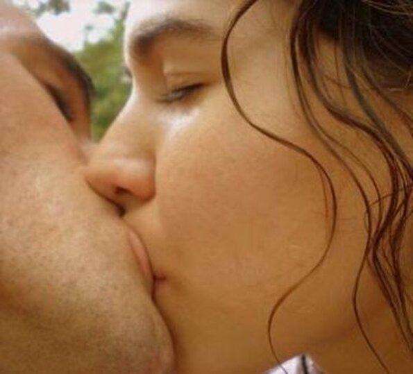 фото целующихся зрелыхжещин