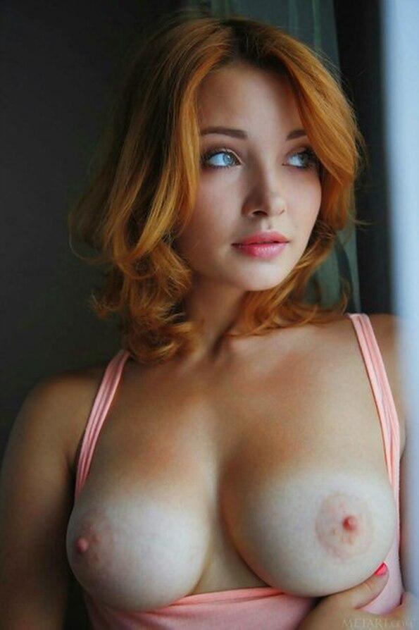 эро фото грудь красивая
