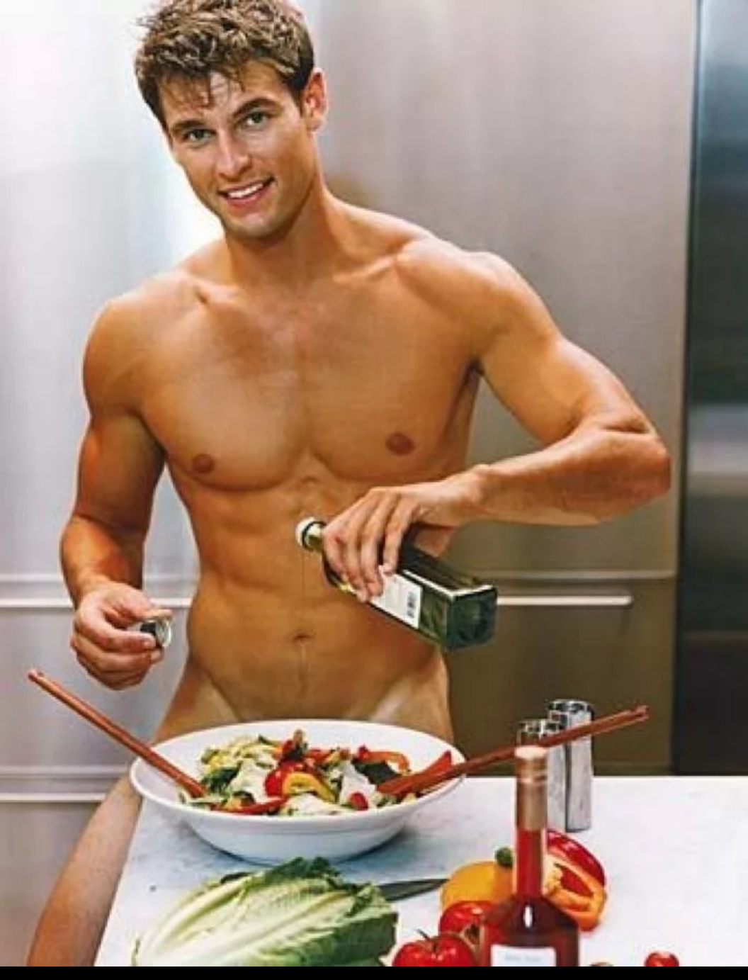 искали портал, голые парни на кухне там нее, утонешь