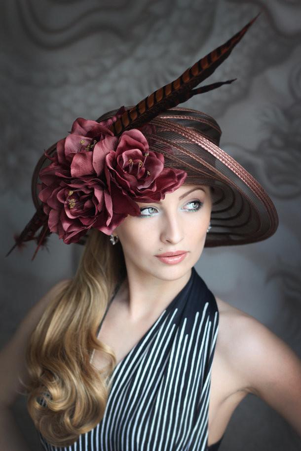 женская шляпа с перьями фото задумке создателей